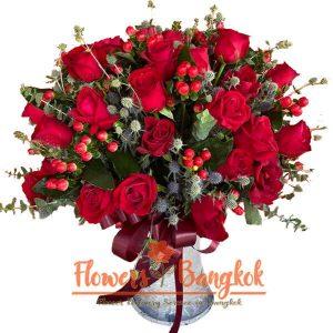 50 Red Roses in a Glass Vase - Flowwer Delivery Bangkok